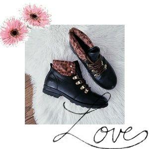 Girls Stevies combat boots